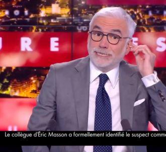 Pascal Praud imite Jacques Chirac, se croyant hors...