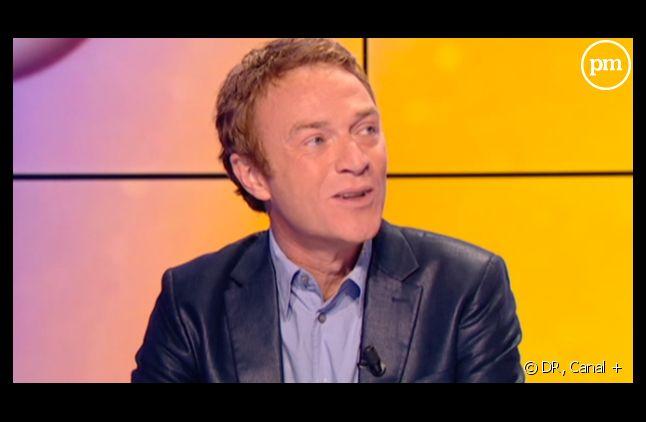 """Christophe Hondelatte, dans """"Le News Show"""" de Canal +."""