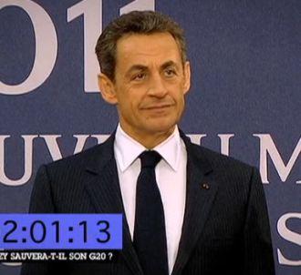 Nicolas Sarkozy attend patiemment le président chinois.