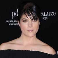 Selma Blair tiendra le premier rôle féminin de la nouvelle série de Charlie Sheen