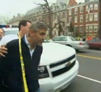 George Clooney arrêté et menotté