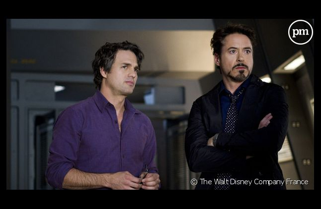 "Mark Ruffalo et Robert Downey, JR. dans ""Avengers"""