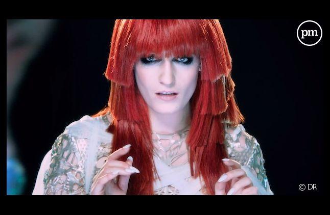 """Florence Welch dans le clip de """"Spectrum"""""""