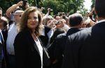 """Valérie Trierweiler veut revenir """"à la normalité"""" sur Twitter"""