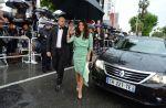 Cannes : Eva Longoria photographiée sans culotte sur les marches