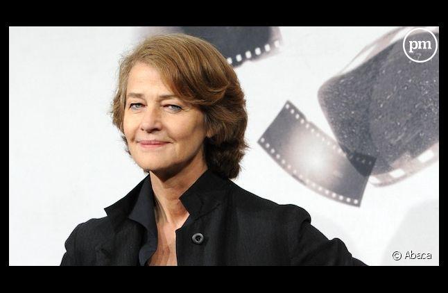 """Charlotte Rampling pense que les séries américaines actuelles valent """"un bon film"""""""