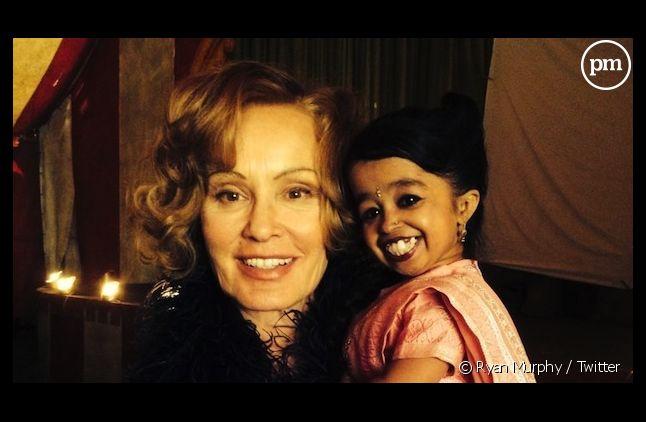"Jessica Lange avec Jyoti Amge, la nouvelle recrue d'""American Horror Story"""