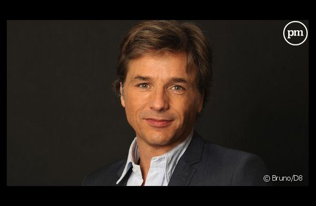 """Guy Lagache, présentateur de """"Enquête d'actualité"""" sur D8."""