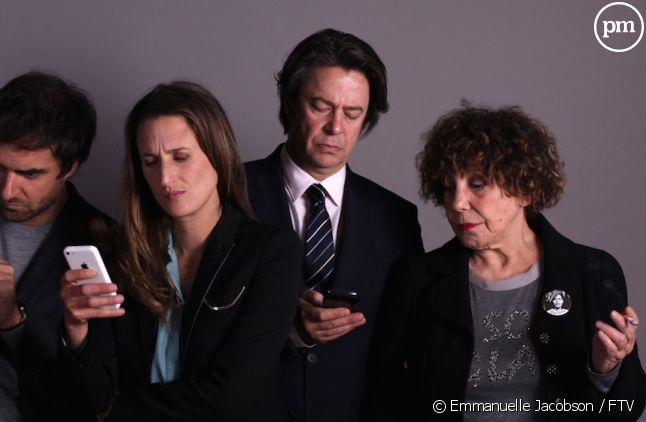 """<div class=""""desc impair""""> <p>Grégory Montel, Camille Cottin, Thibault de Montalembert et Liliane Rovère</p> </div>"""