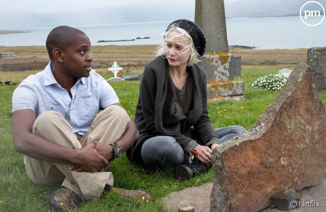 "Aml Ameen et Tuppence Middleton dans ""Sense8"""