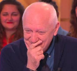 Fou rire après une question sur l'éjaculation dans 'La...