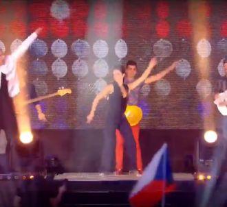 Alessandra Sublet danse sur 'Can't Stop the Feeling!' de...