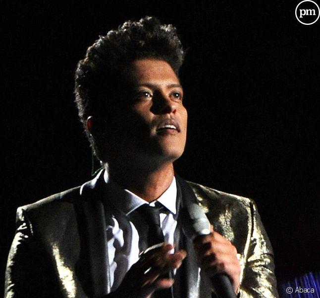 """Bruno Mars annonce son retour avec """"24K Magic"""""""