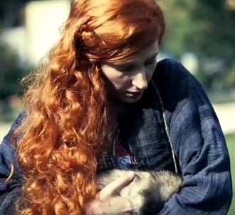 Natacha Polony dans le clip de rentrée de Paris Première.