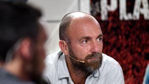 """""""Messi à moitié autiste"""" : Christophe Dugarry présente ses excuses"""