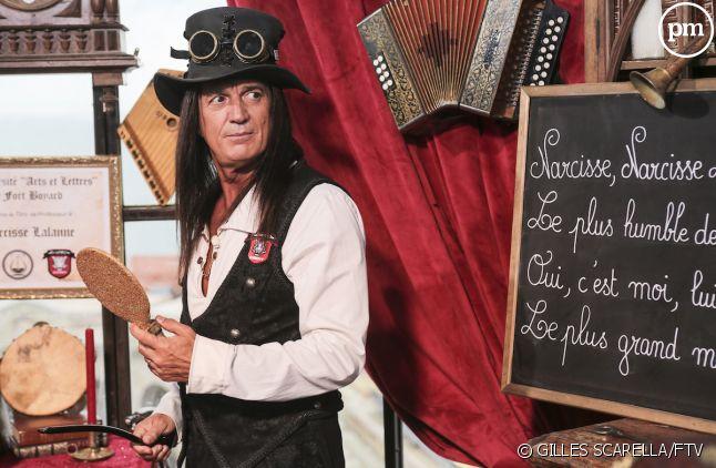 "Francis Lalanne incarne Narcisse dans ""Fort Boyard"""