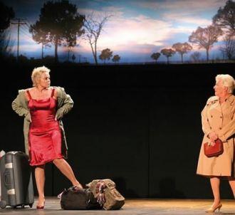 Muriel Robin et Line Renaud dans 'Fugueuses' au théâtre...