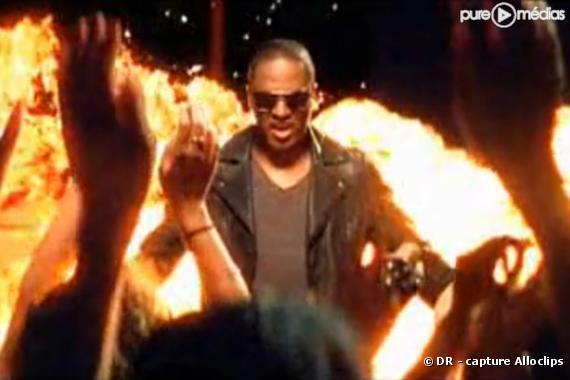"Taio Cruz dans le clip de ""Dynamite"""