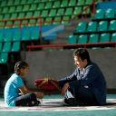 """""""Karaté Kid"""" (18 août) : Pour tous les jeunes qui ont grandi en mangeant des nouilles lyophilisées devant l'intégrale de Jackie Chan, """"Karaté Kid"""" est un film culte. Ses suites des nanards sans nom. 26 ans après, Hollywood nous offre une nouvelle adaptation, où le jeune Jaden Smith (le fils de Will) incarne l'élève de Jackie Chan... Qui lui apprend, ici, le Kung Fu. Sauf que Kung Fu Kid, c'était ridicule."""