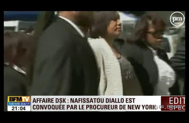 L'arrivée de Nafissatou Diallo pour sa convocation, le 22 août à 15h04 (heure locale).