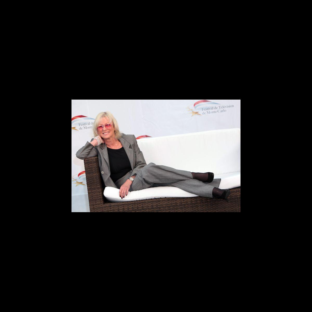 Evelyne leclercq en 2010 photo puremedias - Porter plainte pour harcelement telephonique ...