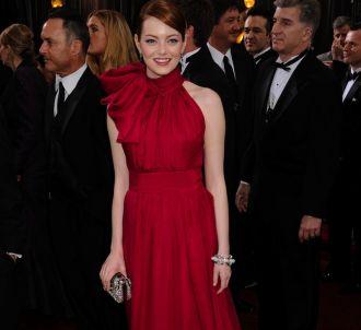 Emma Stone sur le tapis rouge des Oscars 2012