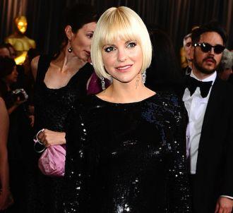 Anna Faris sur le tapis rouge des Oscars 2012