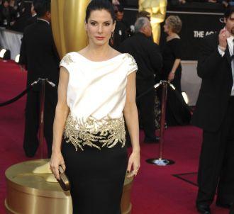 Sandra Bullock sur le tapis rouge des Oscars 2012