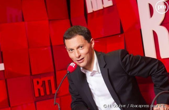 """Marc-Olivier Fogiel aux commandes de """"RTL Soir""""."""