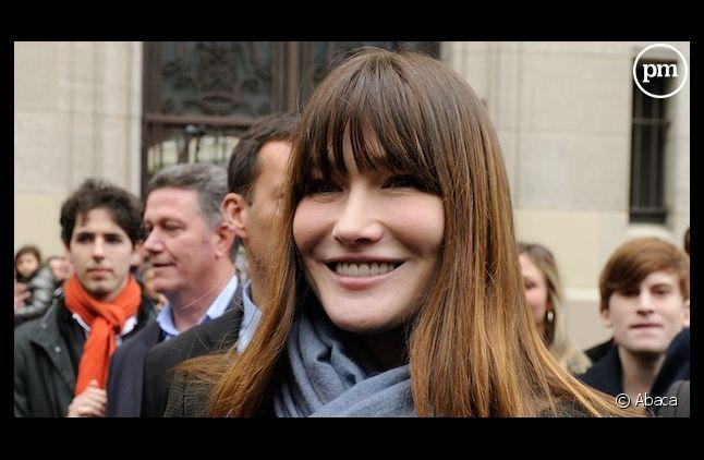 "Carla Bruni reprend ""Les Gens du Nord"" avec Enrico Macias"