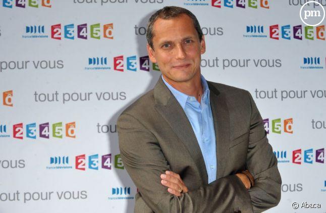 """Louis Laforge mène l'enquête au coeur de Paris pour """"Des Racines et des ailes"""", ce soir sur France 3."""