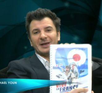 Michaël Youn lit le scénario de 'Vive la France' dans...