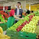 """Quentin Bourdy, de la saion 4 de """"Top Chef"""" saison 4, dans une publicité Auchan."""