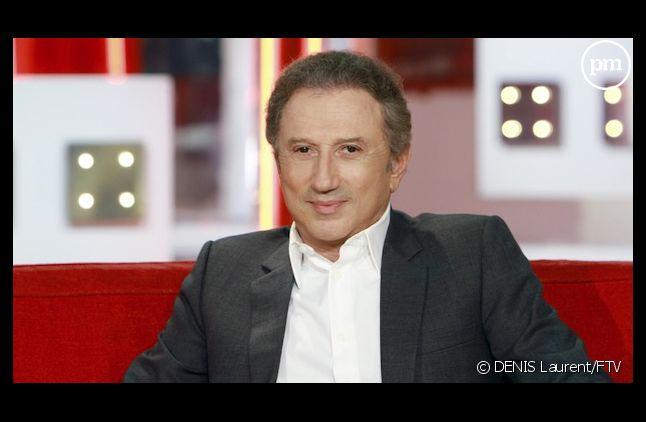 """Michel Drucker signe pour deux nouvelles saisons de """"Vivement dimanche"""""""