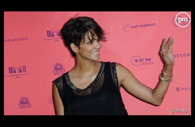 """Halle Berry tiendra le rôle principal de """"Extant"""", la nouvelle série produite par Steven Spielberg pour CBS"""