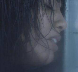Amel Bent dévoile le clip de 'Sans toi'