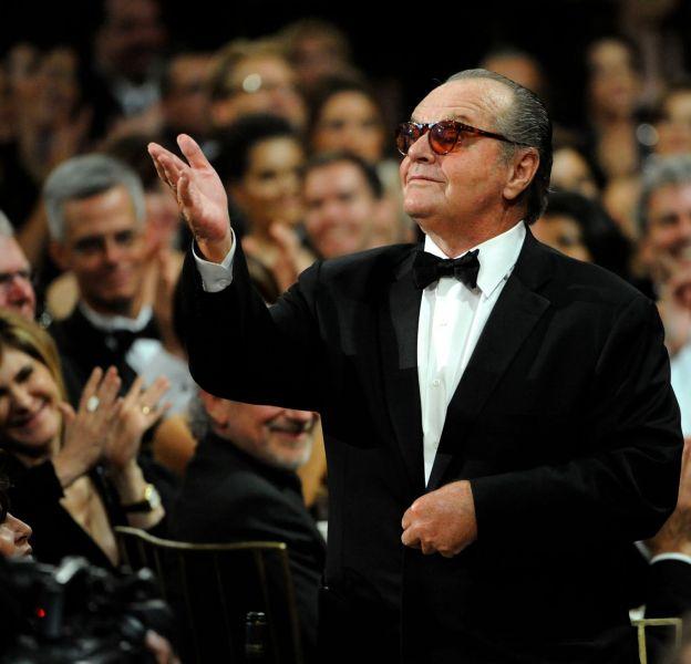 Jack Nicholson (390 millions de dollars).