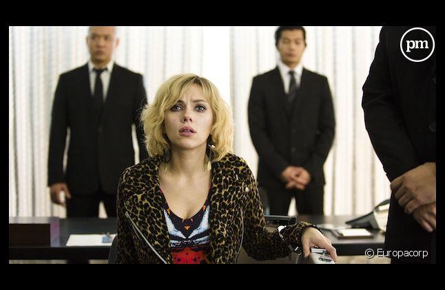 """""""Lucy"""" avec Scarlett Johansson, en tête des premières séances parisiennes"""