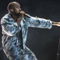 Kanye West critique un fan handicapé qui ne se lève pas pendant son concert