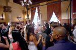 """Clip : Maroon 5 s'invite dans plusieurs mariages avec """"Sugar"""""""