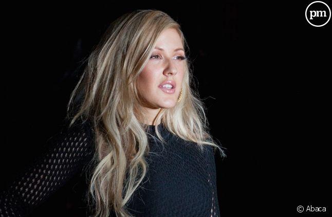 Ellie Goulding en tête des charts britanniques