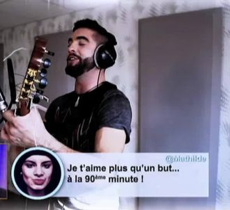 Kendji Girac chante les tweets d'une spectatrice de 'Tout...