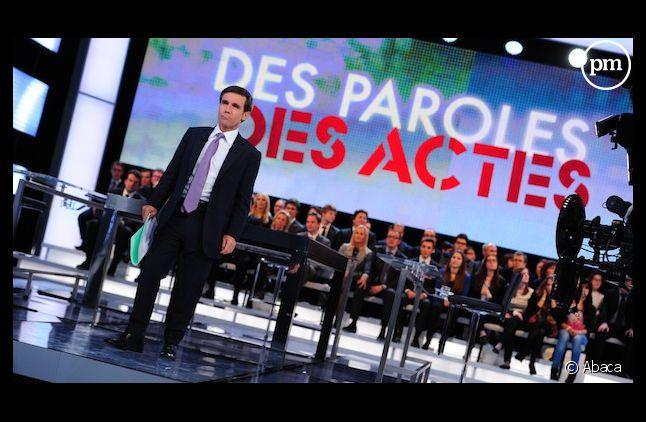 """David Pujadas sur le plateau de """"Des paroles et des actes"""""""