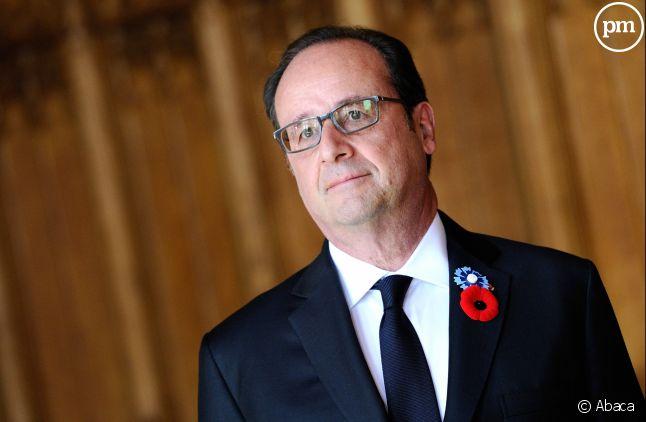 """François Hollande sort de son silence dans """"Le Point""""."""