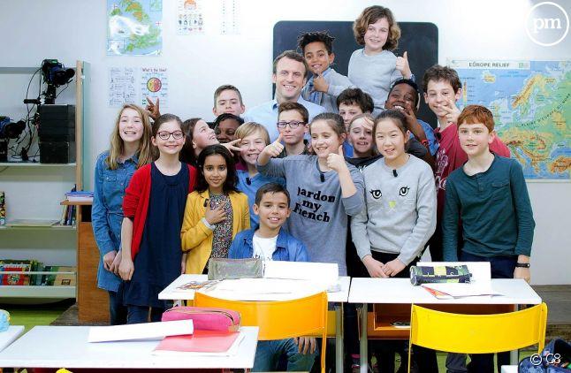 """Emmanuel Macron dans """"Au tableau"""" sur C8."""