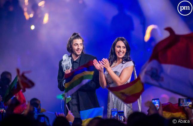 Salvador Sobral aux côtés de Jamala, gagnante de l'édition 2016