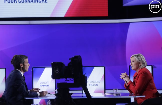 Marine Le Pen et David Pujadas, sur France 2.