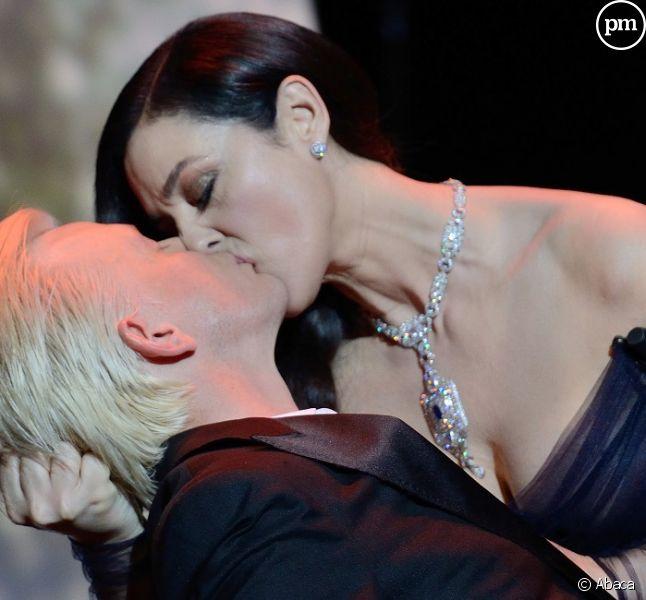 Alex Lutz et Monica Bellucci (cérémonie d'ouverture du 70e festival de Cannes)
