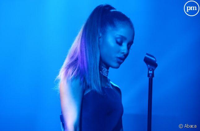 Ariana Grande suspend sa tournée