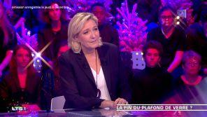 """""""J'étais très fatiguée..."""" : Marine Le Pen explique pourquoi elle a perdu pied lors du débat d'entre-deux-tours"""